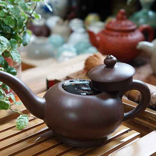 Types of teapots