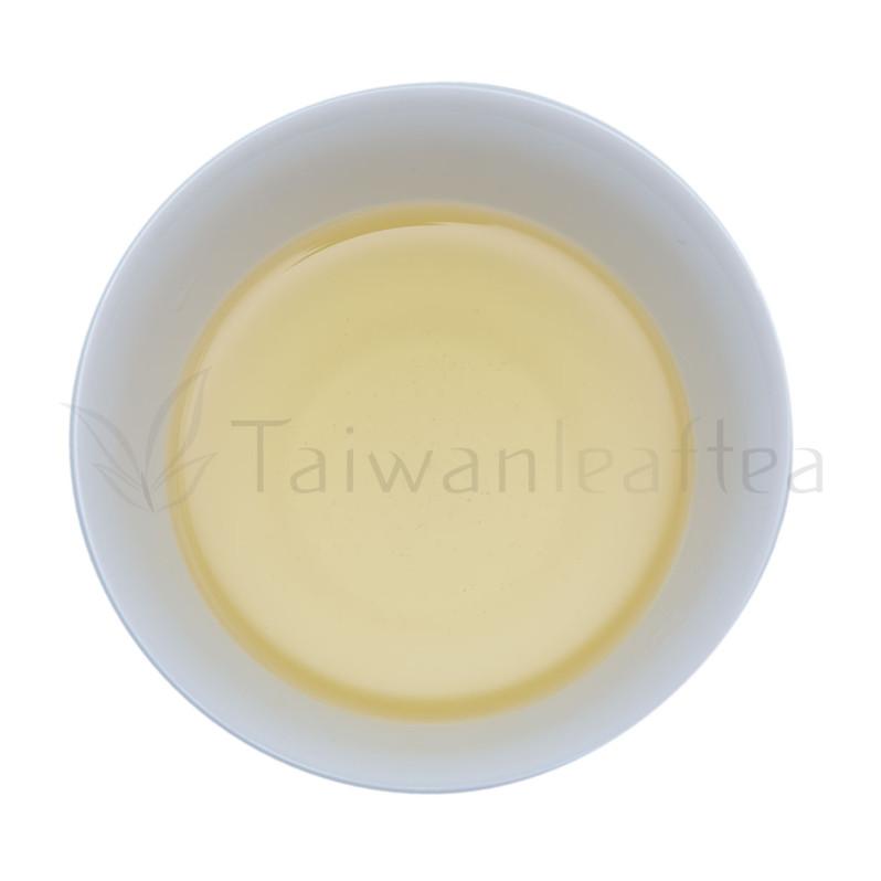 Rare Organic Dayuling Oolong from Plantation 100K (大禹嶺) Image 1