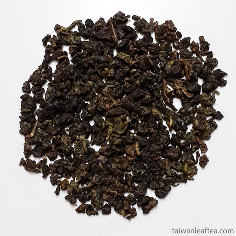 Dong Ding Oolong Tea (凍頂) Image 3
