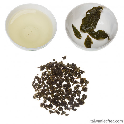 Strong Backed High Mountain Alishan Oolong Tea (高山地阿里山烏龍茶)