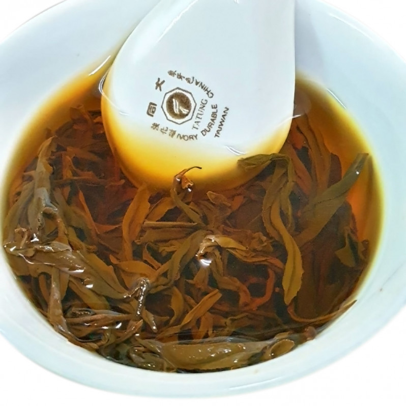 Li Shan Oriental Beauty Oolong Tea / Dongfang Meiren (梨山東方美人茶) Image 1