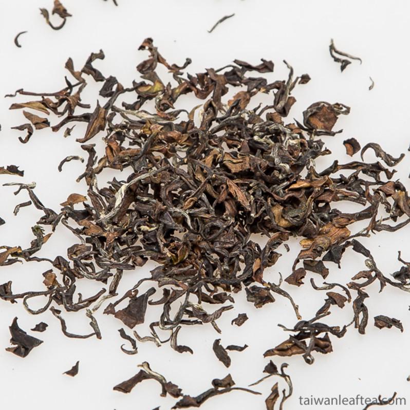 Oriental Beauty Oolong Tea / Dongfang Meiren (東方美人茶) Image 3