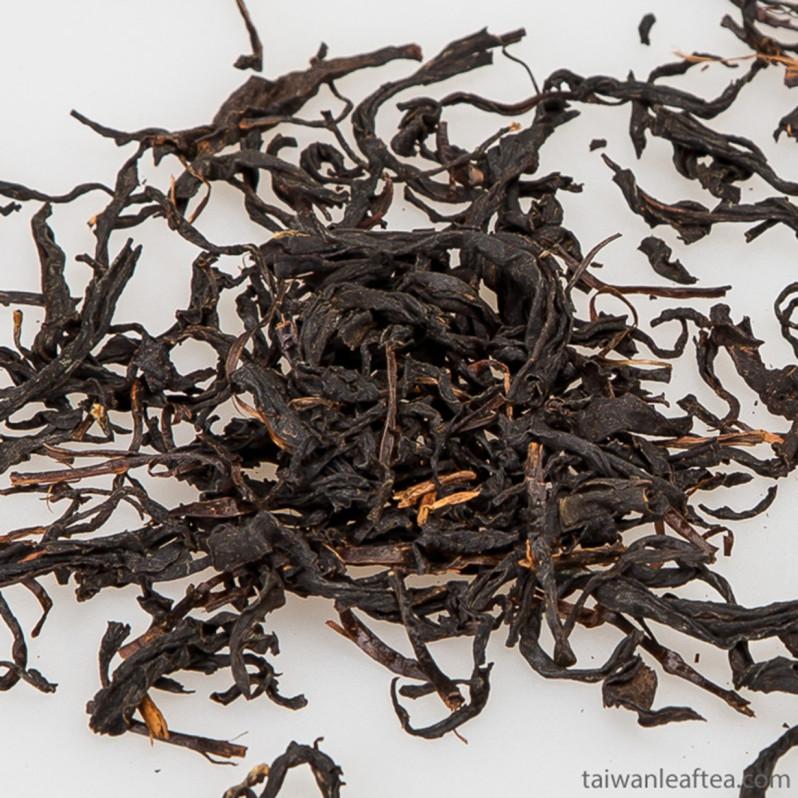 Sun Moon Lake Black Tea  / Tea #18 (日月潭紅茶) Image 3